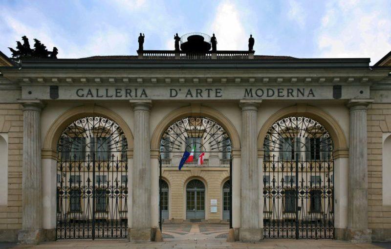 Milano, visita alla galleria d'arte moderna